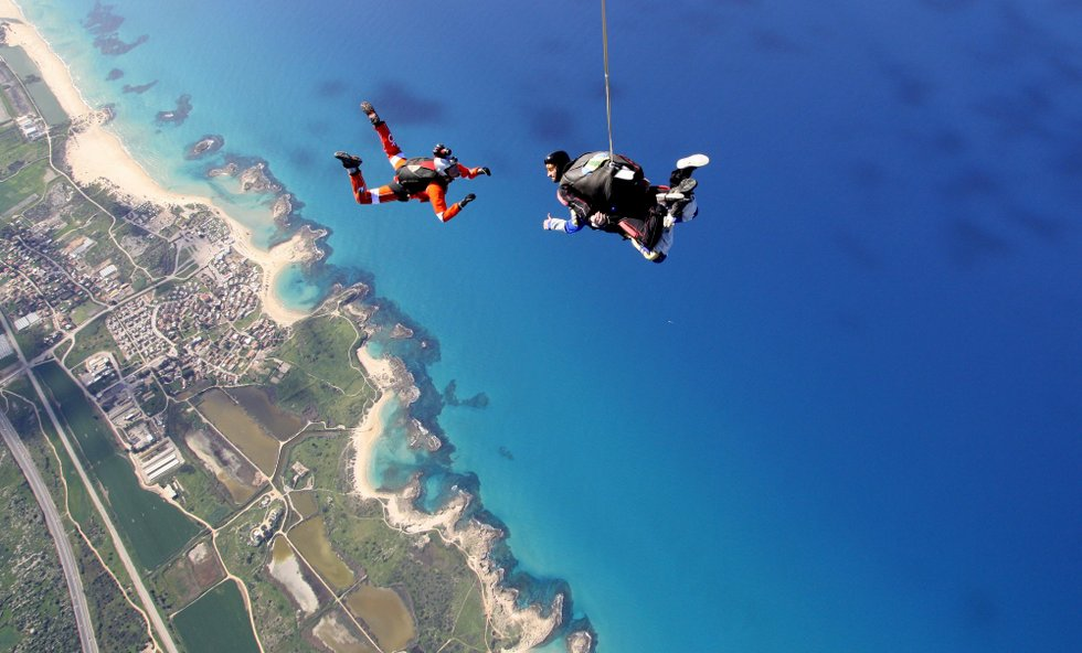 skydiving at paradive