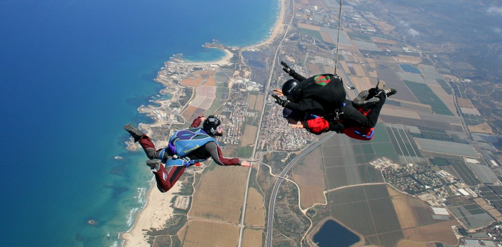 skydiving in israel